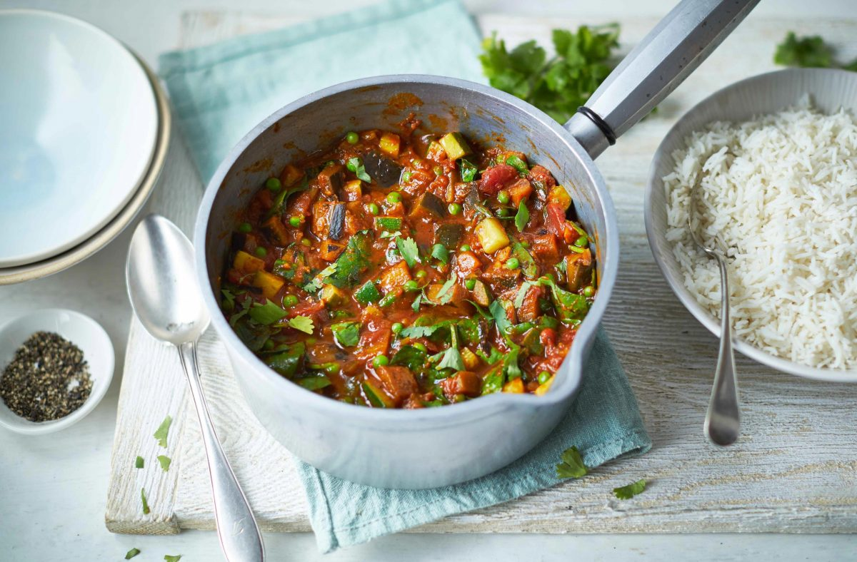 This colourful vegan curry brightens up mealtimes with its tasty ...