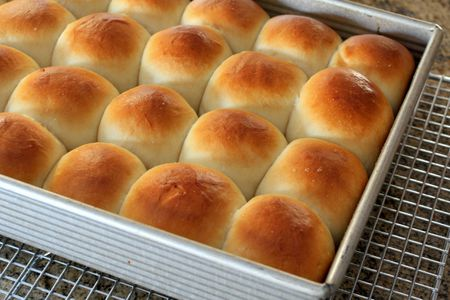 Southern-Style Butter Yeast Rolls Recipe