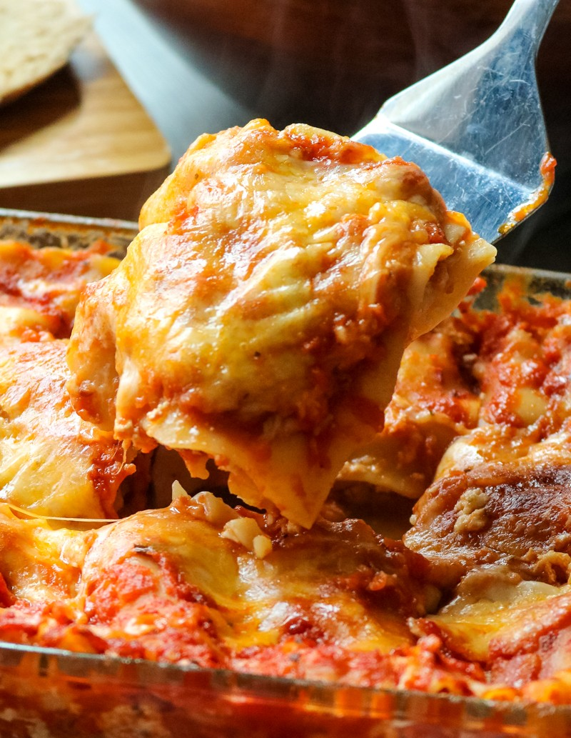 """The EASIEST Homemade Lasagna 