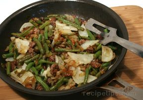 Quick Ground Beef and Vegetable Skillet Recipe - RecipeTips