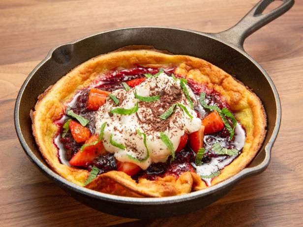 Dutch Baby with Berry Compote | Recipe in 2019 | Breakfast | Worst ...
