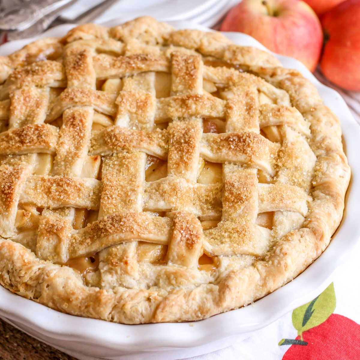 BEST Homemade Apple Pie - Step by Step (+VIDEO) | Lil