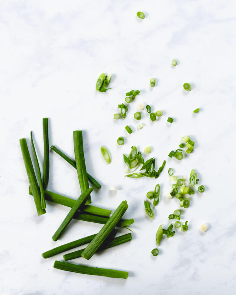 How to Cut Green Onions – A Couple Cooks