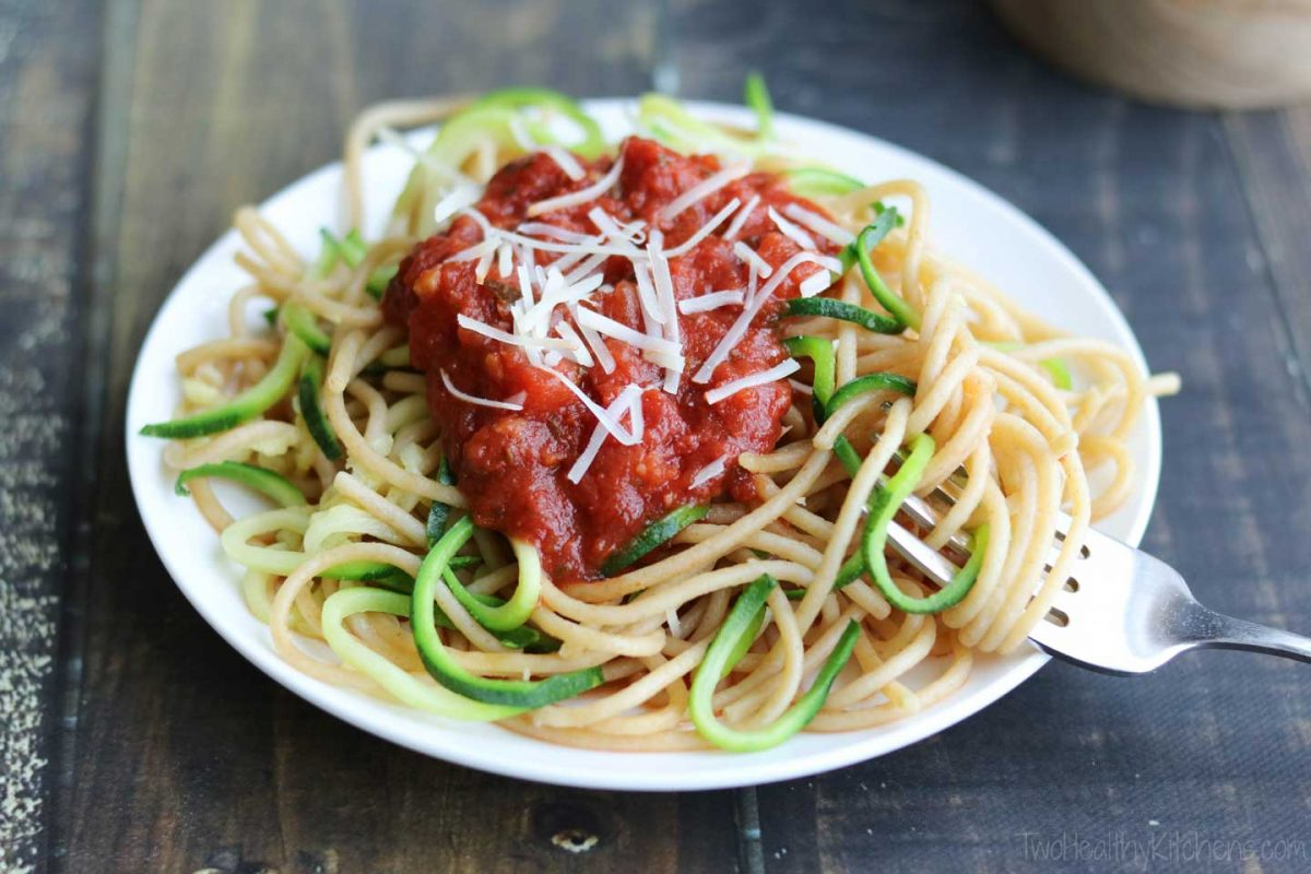 Easy Zoodles Recipe (Zucchini Noodles for Beginners) - Two Healthy ...