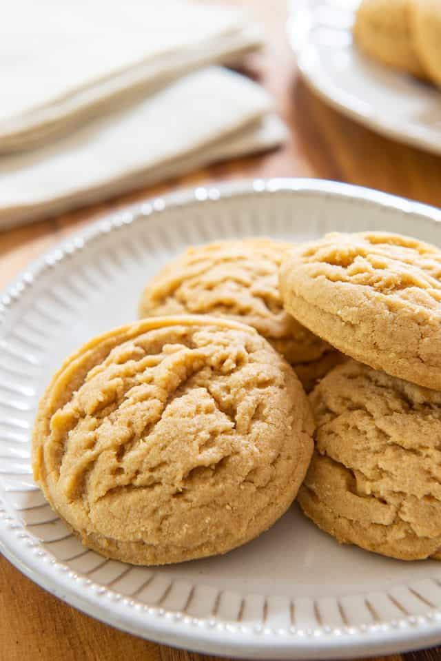 Peanut Butter Cookies - The most amazing melt-in-your-mouth texture!