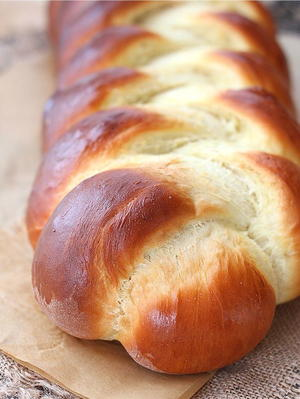 Baking Bread: 9 Types of Bread and 9 Bread Recipes ...