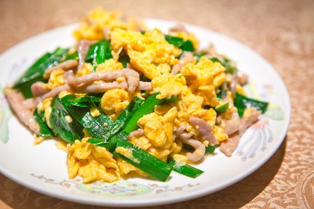 Chinese Scrambled Eggs With Garlic Chives Recipe