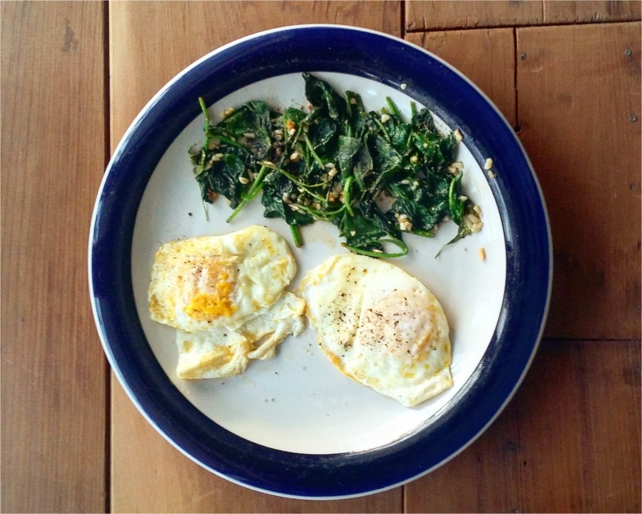 Simple Keto Breakfast - Eggs and Spinach | The Keto Cookbook