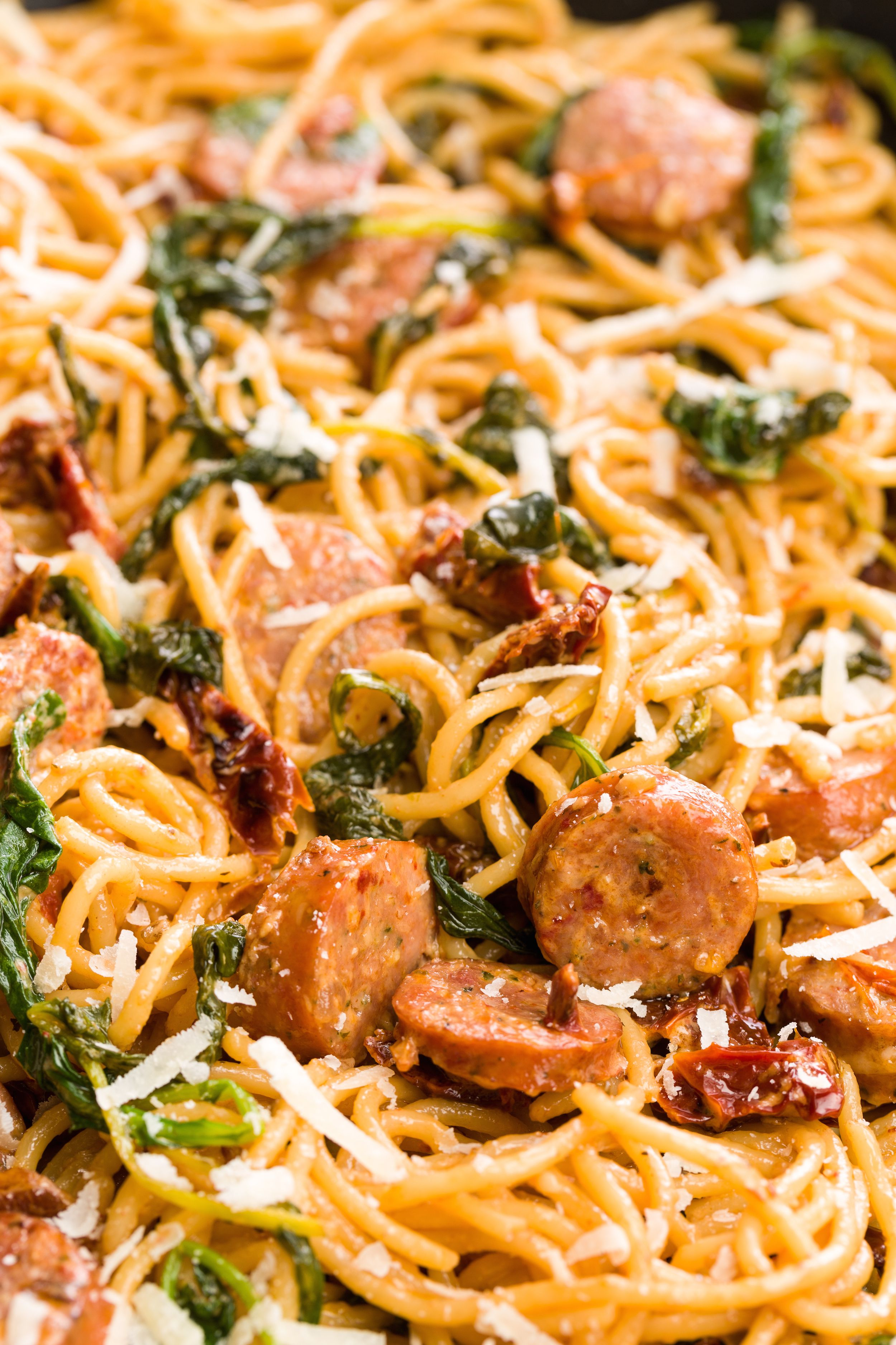 Best Spaghetti with Sun-Dried Tomatoes, Sausage, and Spinach ...