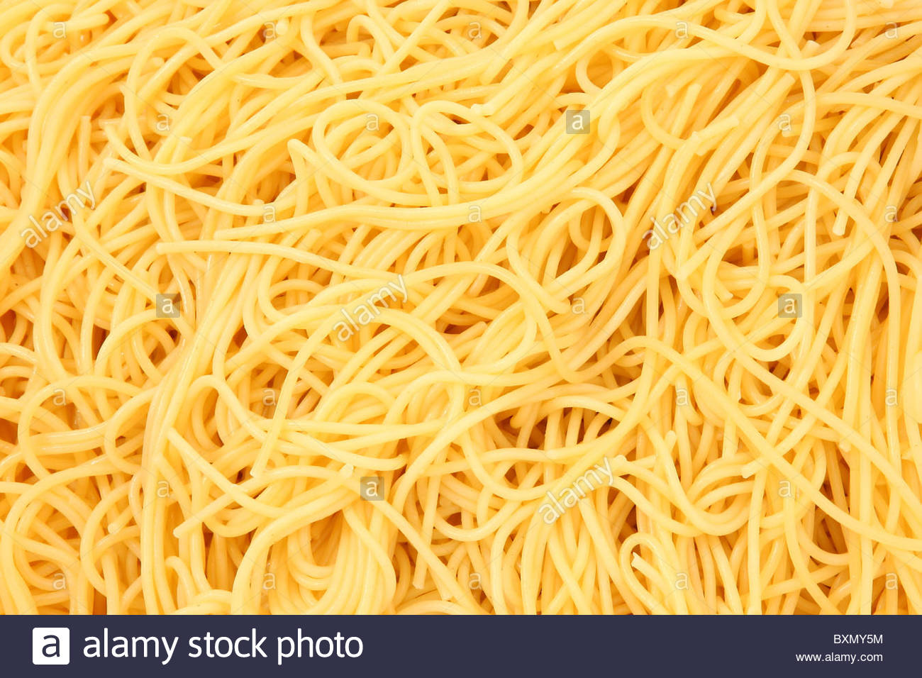 Close up texture shot of cooked spaghetti noodles plain Stock ...