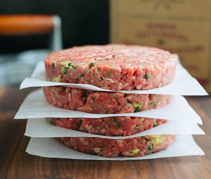 Gourmet Burger Recipe: Mojo Beef Burgers with Tequila-Lime Aioli ...