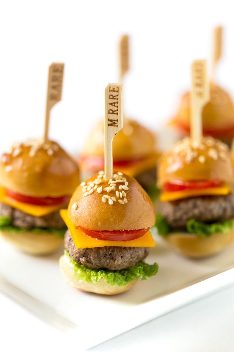 Perfect Party Appetizer: How to Make Mini Cheeseburgers | Pizzazzerie